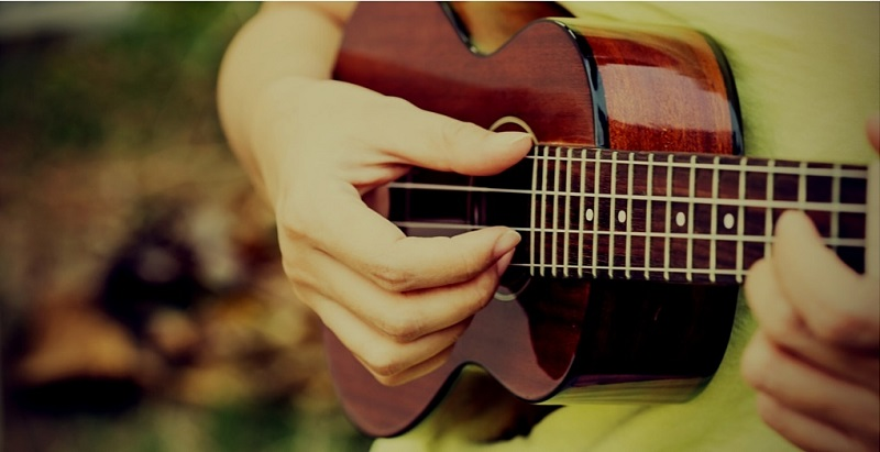 how to play over the rainbow on ukulele