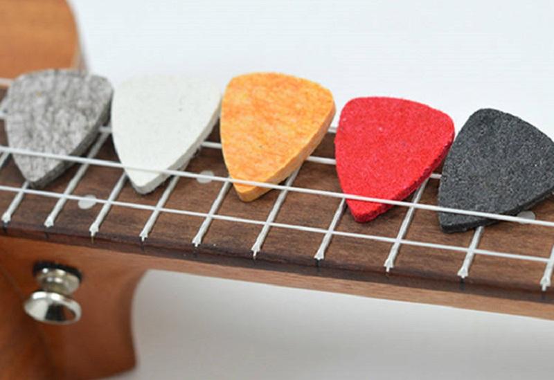 ukulele accessories - picks